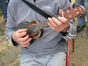 Ukulele-electro-acoustic